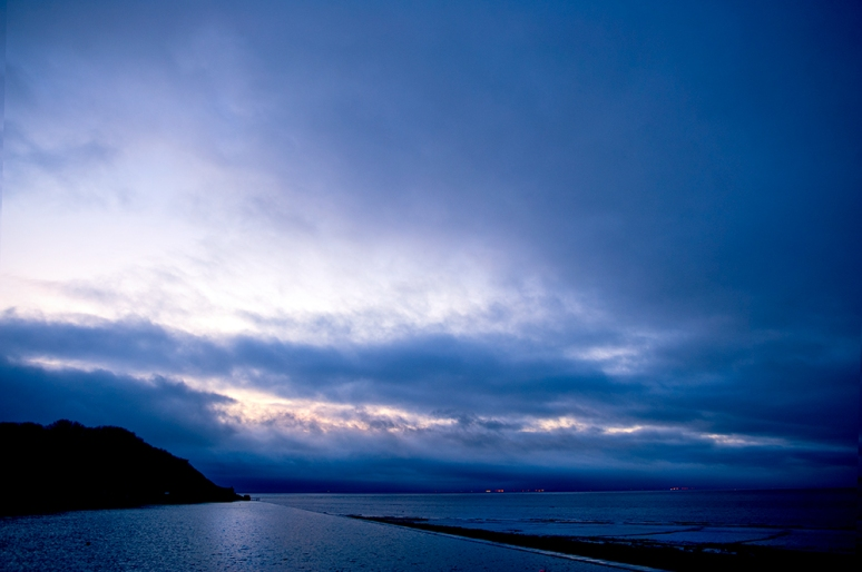 Stormy-day-blue-hour-in-Clevedon